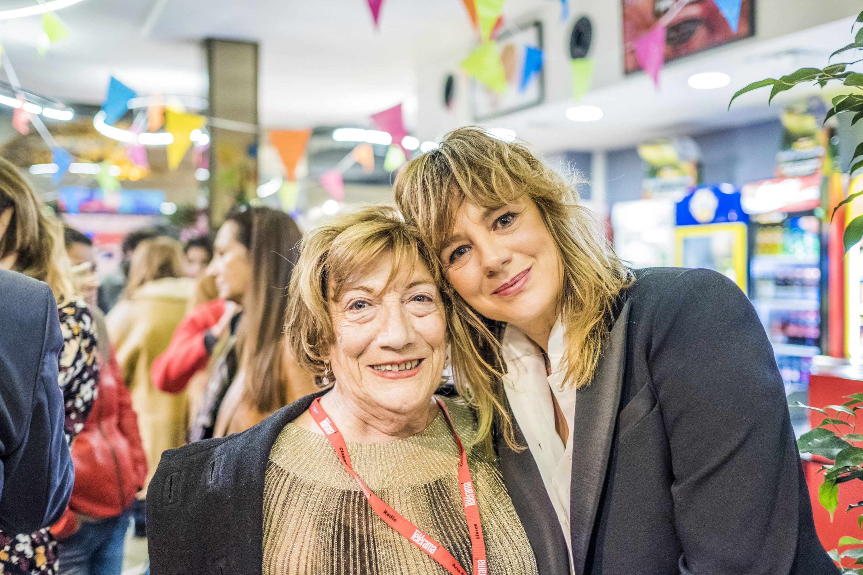 Emma Suárez en coulisses avec la traductrice Vida Zabraniecki Photo © Jorge Fuembuena